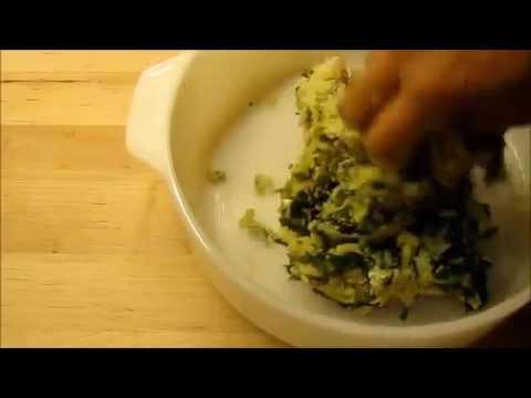 best breakfast recipes indian vegetarian  for kids  toddlers  palak thalipeeth